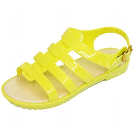 Fashionable 4 inch flat sandals on 2020's market
